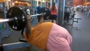 Tlustý benchpress